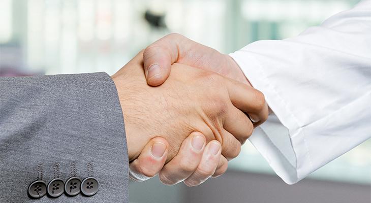 医師の不動産投資で「自主管理」より「管理会社」に委託すべき4つの理由